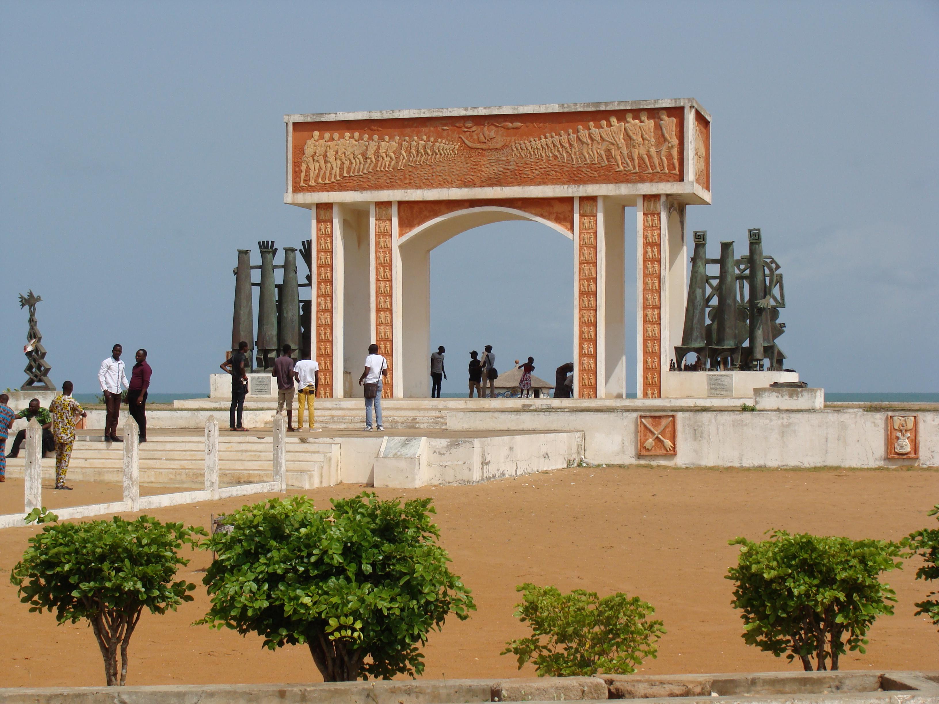 BENIN 2 011